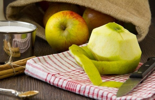 Huskur med äppelskal för att gå ner i vikt