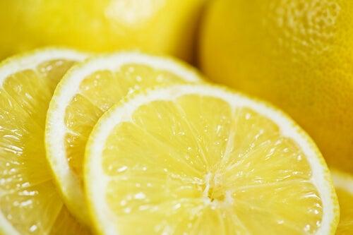 Hur man tappar vikt med hjälp av citron
