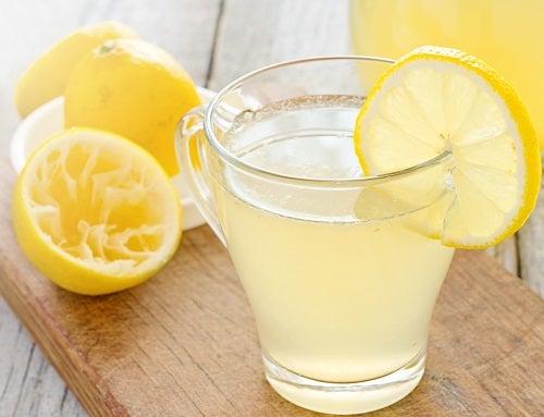 Man kan gå ner i vikt med citron