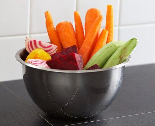 Grönsaker i skål