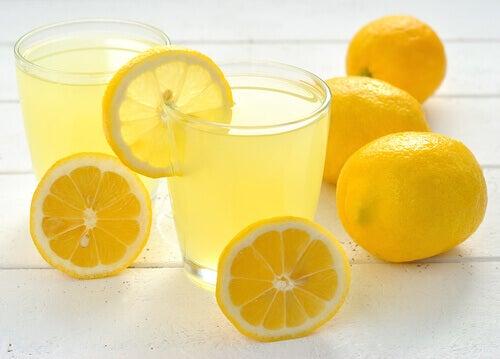 Röda födelsemärken - citroner
