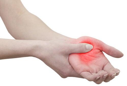 stickningar i händer och fötter yrsel