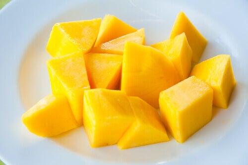 Ät mangokärnor
