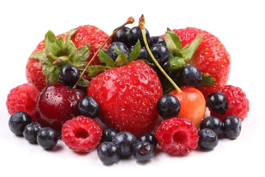 röda frukter och bär