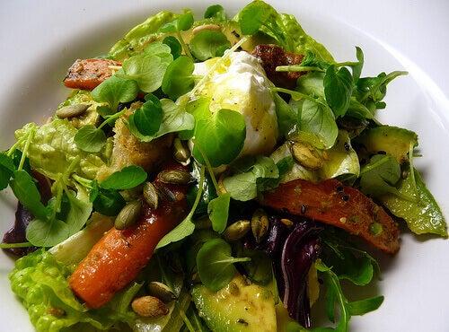 Ät säsongsodlat och ekologiskt för att sänka triglyceridnivåerna