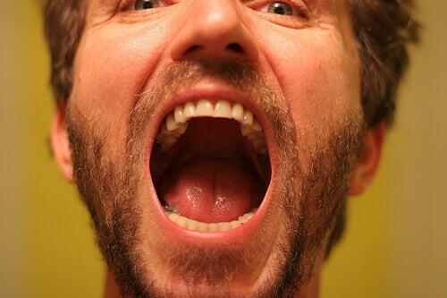 Periodontit kan förstöra tandbenet