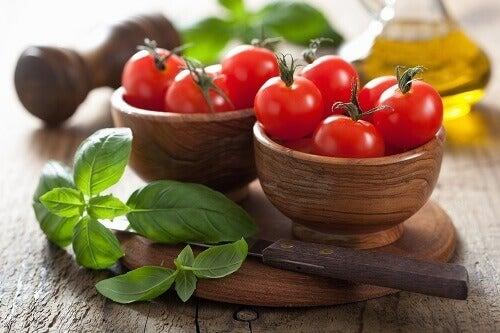 Mynta och tomat