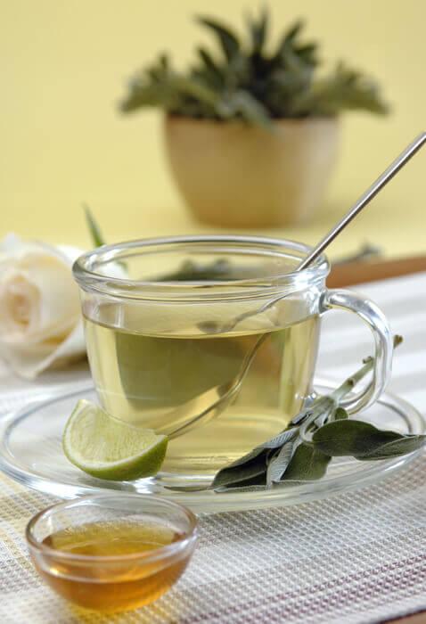 Salvia-vatten-infusion