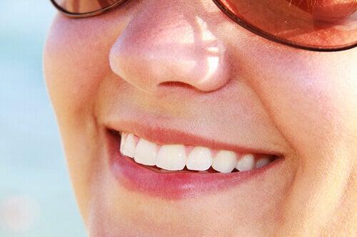 få vitare tänder naturligt