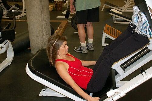 Tona musklerna för att tona kroppen