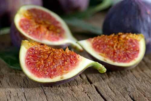 De bästa naturligt vätskedrivande frukterna