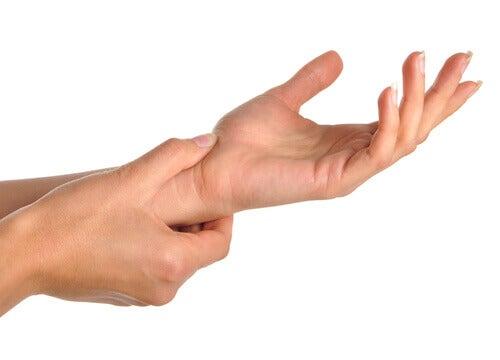 ont i fingrarna på morgonen