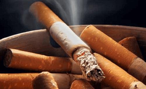 Rökning gör att hjärtat måste arbeta hårdare för att pumpa blod