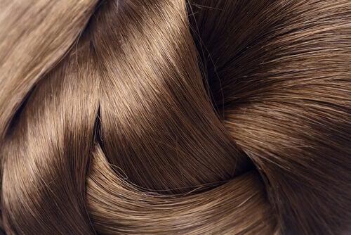 4 naturliga behandlingar för starkare hår