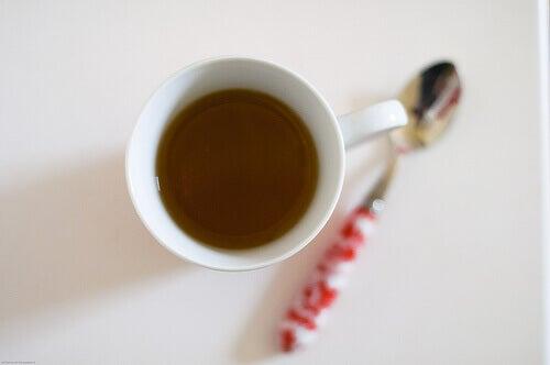 Te med åkerfräken