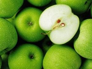 Äpplen hjälper dig att minska urinsyra