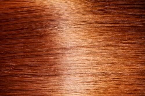 Få ditt hår att glänsa; 9 naturliga tips
