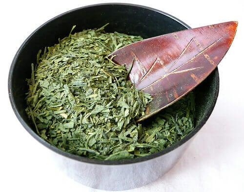 Green-tea-bkajinosve