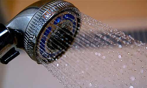 Tio hälsofördelar med kalla duschar