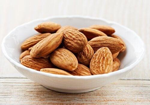 Ät mandlar för att få bättre sömn