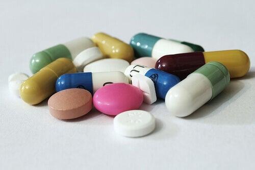 Mediciner kan ge magont