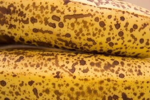 Prickiga bananskal