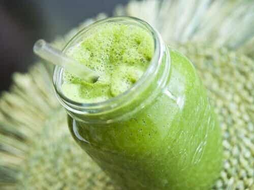 6 sunda och naturliga drycker för kvinnor