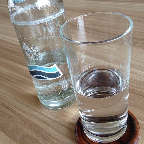 Mineralvatten innehåller kalcium