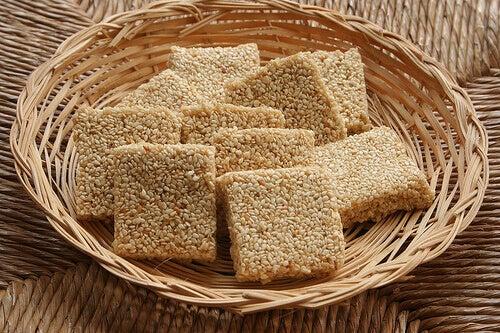 Sesamfrön innehåller massor med kalcium
