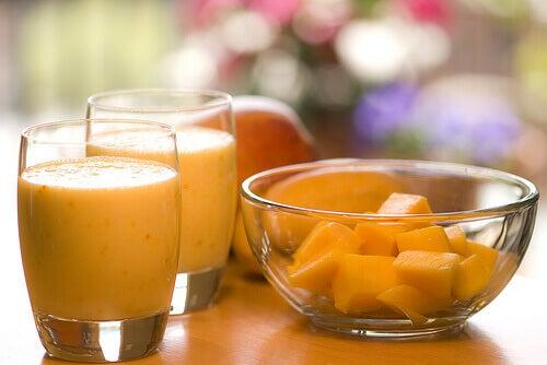Välj färsk frukt till dina smoothies