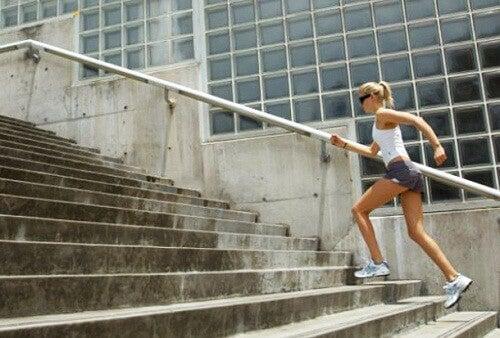Att gå i trappor är en bra övning