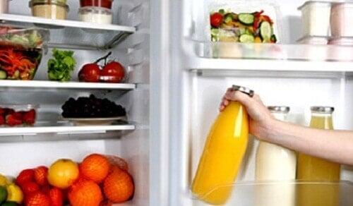 11 ingredienser du aldrig ska ha i kylskåpet