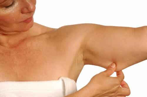 5 effektiva övningar som minskar fett och tonar armarna