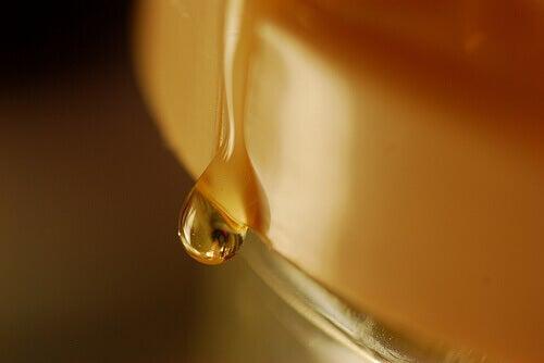 Honung för fylligare läppar