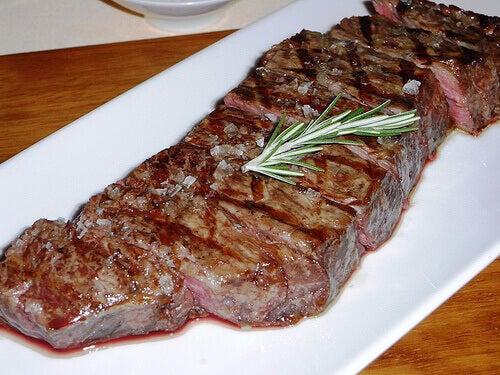undvik kött när du lider av högt blodtryck