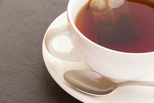 undvik svart te när du lider av högt blodtryck