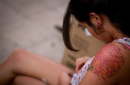 Kan det vara farligt att tatuera sig?
