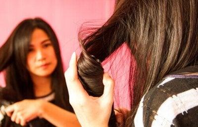 Enkla frisyrer du kan göra hemma för vardag och elegans