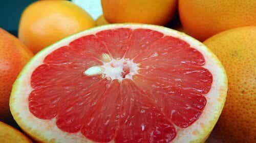 De 6 bästa frukterna för att bränna fett