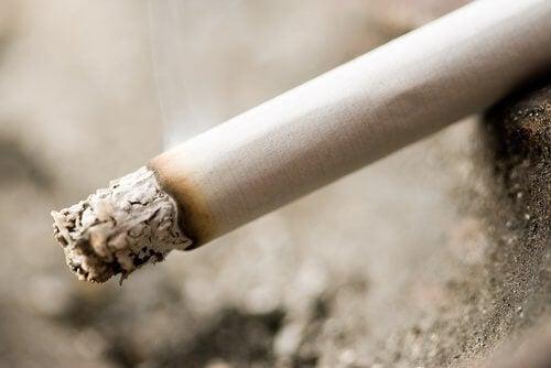 Undvik cigaretter om du har svårt att sova