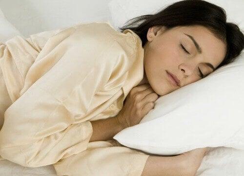 Fördelar med att sova på vänster sida