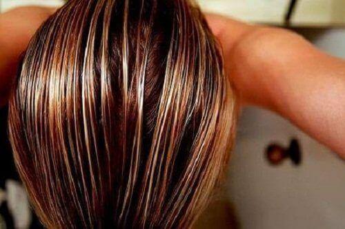 Fuktigt hår