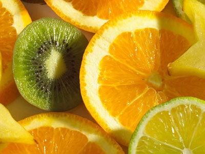 Apelsiner och kiwi