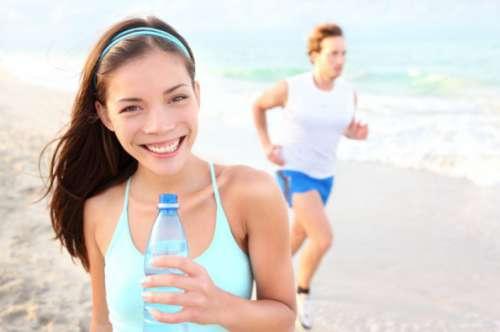 Drick vatten för att rensa levern på tungmetaller