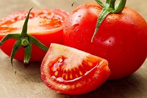 Tomater aktiverar ämnesomsättningen