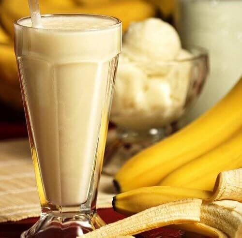Gul banansmoothie