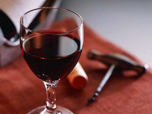 Rött vin innehåller antioxidanter