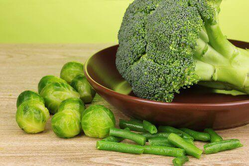 Broccoli, brysselkål och gröna bönor