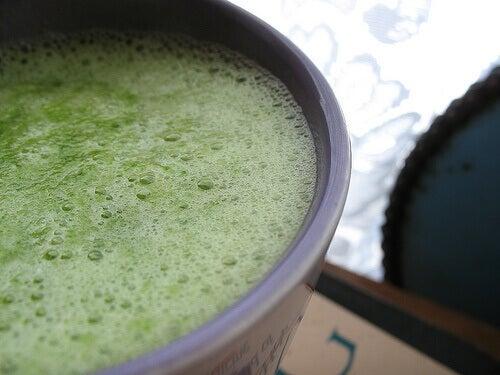 Grön smoothie mot håravfall