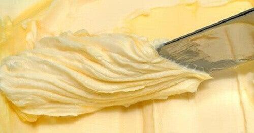 Hemgjort smör med bara två ingredienser
